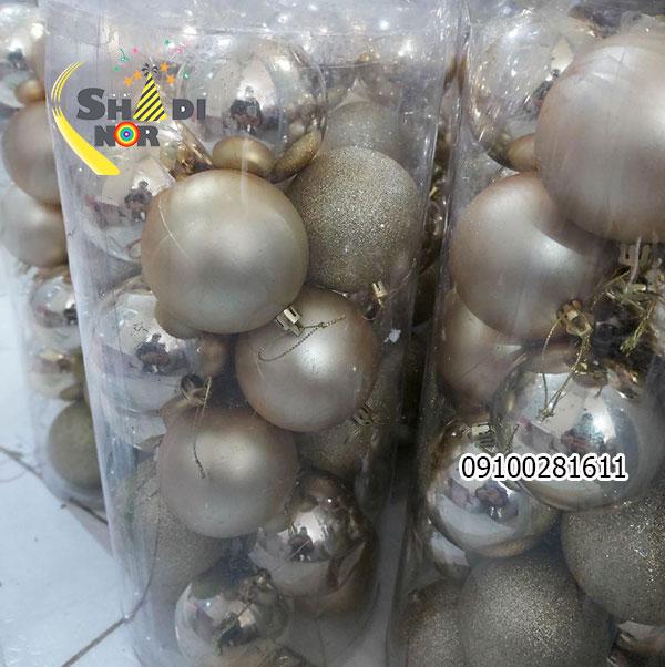 گوی طلایی آویز دار برای جشن کرزیسمس