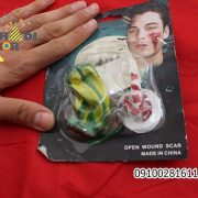 فروش عمده لوازم هالووین محصول گریم پیچ گوشتی روی صورت