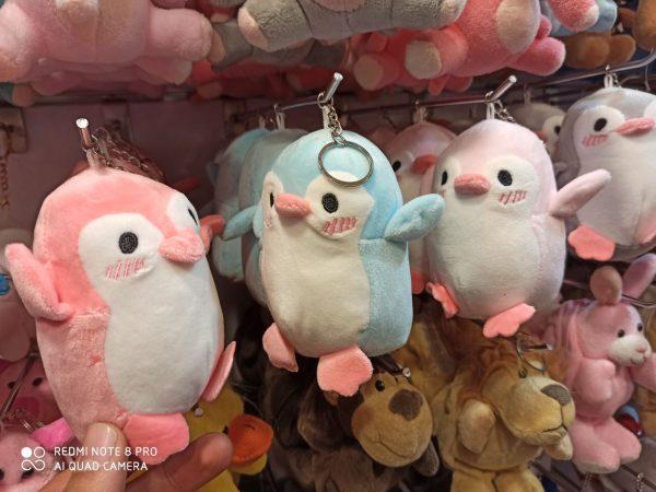 قیمت عمده انواع لوازم تزیینی و کادویی جاسوییچی عروسکی پنگوئن،ایموجی