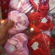 فروش عمده لوازم ولنتاین شکلات ولنتاین طرح قوطی فلزی و قلبی