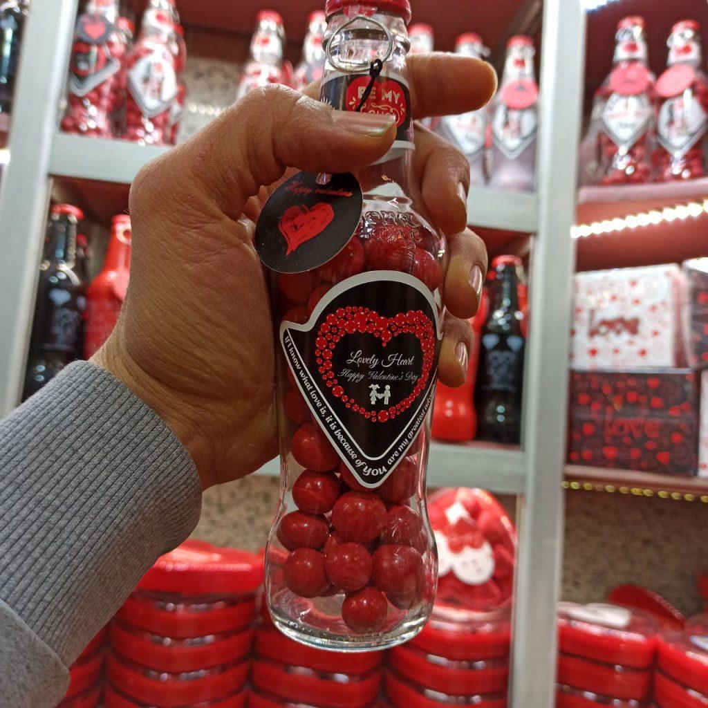 فروش عمده لوازم ولنتاین شکلات ولنتاین طرح نوشابه و بطری شفاف