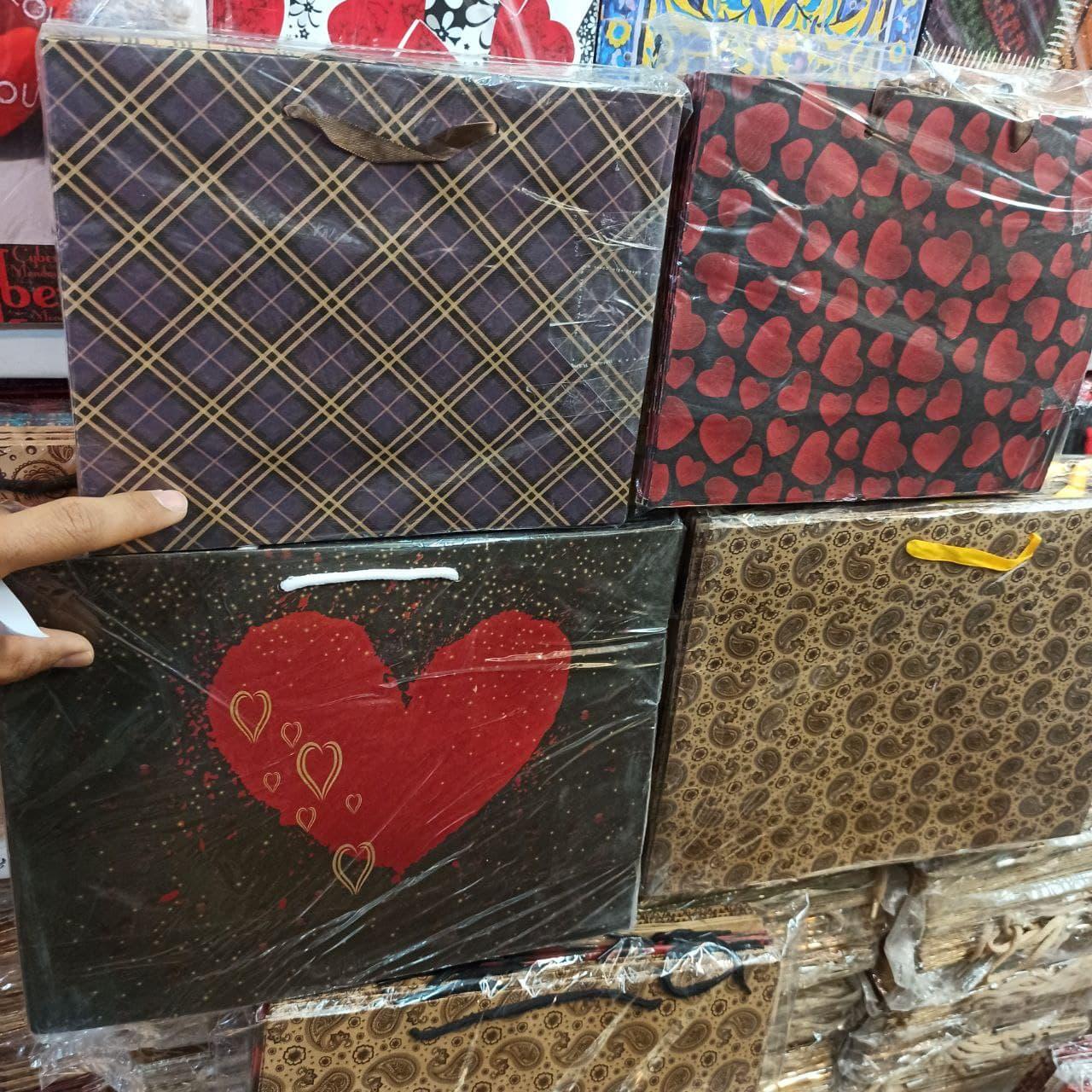 فروش آنلاین عمده لوازم تولد پاکت هدیه و کادو